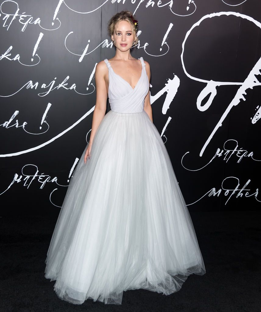 633c903ad Jennifer Lawrence Dior gray ball gown red carpet | Hijos in 2019 ...