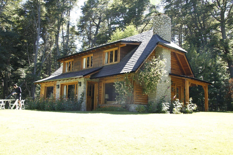 Amazing Log Cabin In Cumelen Casas En Alquiler En Villa La  # Muebles Cumelen