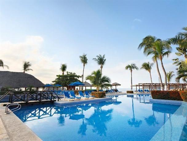 Hotel Deal Checker Barcelo Huatulco Beach Resort