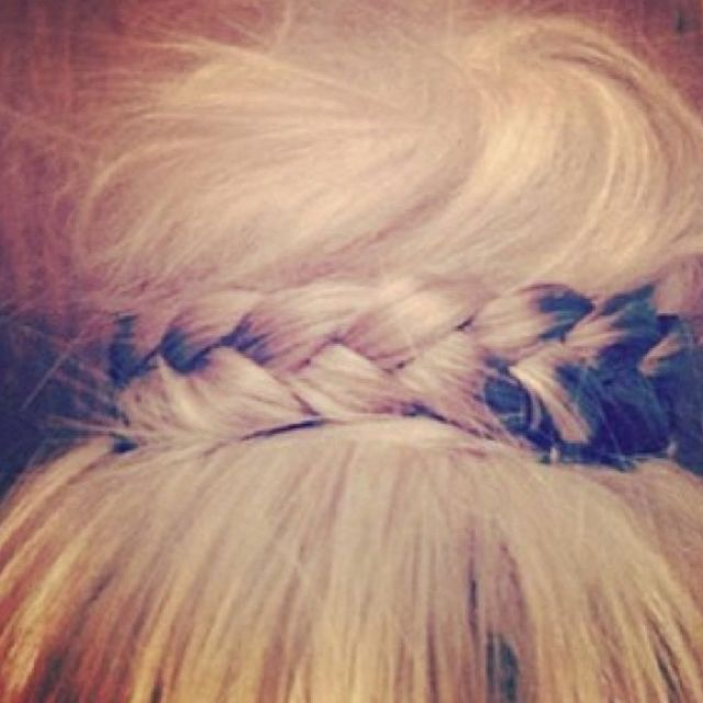 @Hillary Wyngeeren... can you do this so I can live vicariously through your hair?