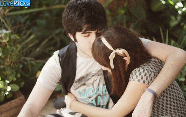 Love couple hug kiss pic