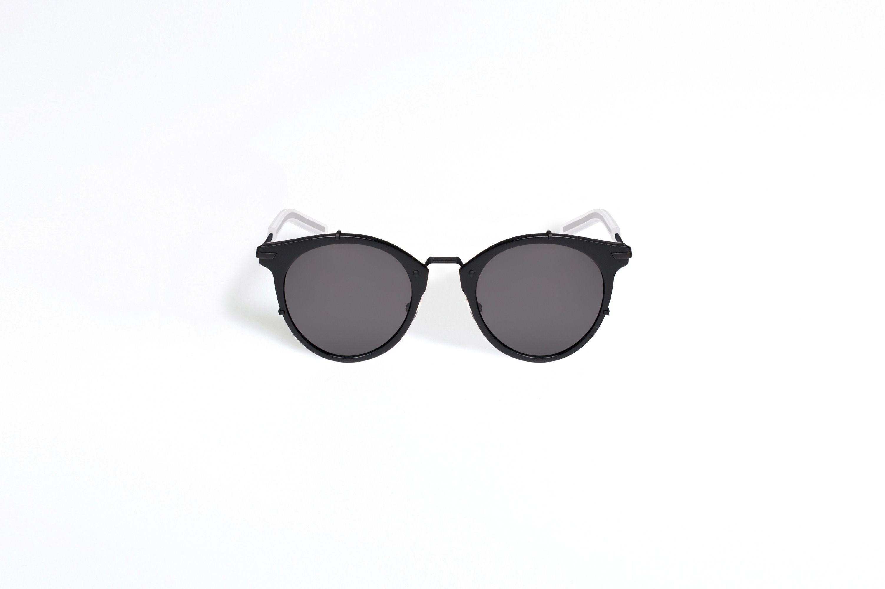 http   www.dior.com couture fr fr mode-homme accessoires lunettes lunettes- dior-0196s-noir-1-12899 cb4b768665c8