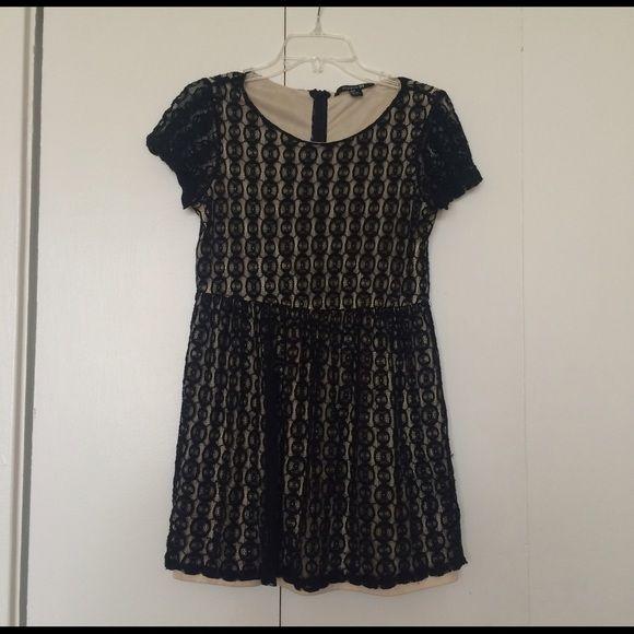 2 for $10 Forever21 black short sleeves dress Forever 21 black lace short sleeves dress Forever 21 Dresses