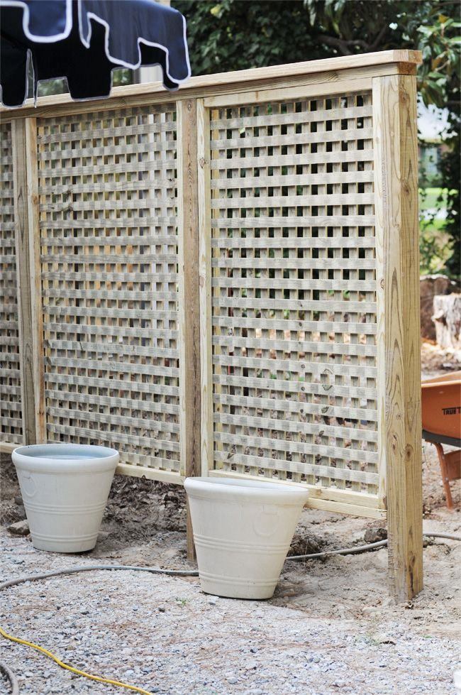 Pawleys island posh we built a lattice wall in the for Outdoor privacy screen ideas