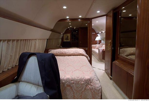 Amazing Donald Trump Private Jet | Inside Donald Trumpu0027s Private Jet   Bedroom (6)   Images