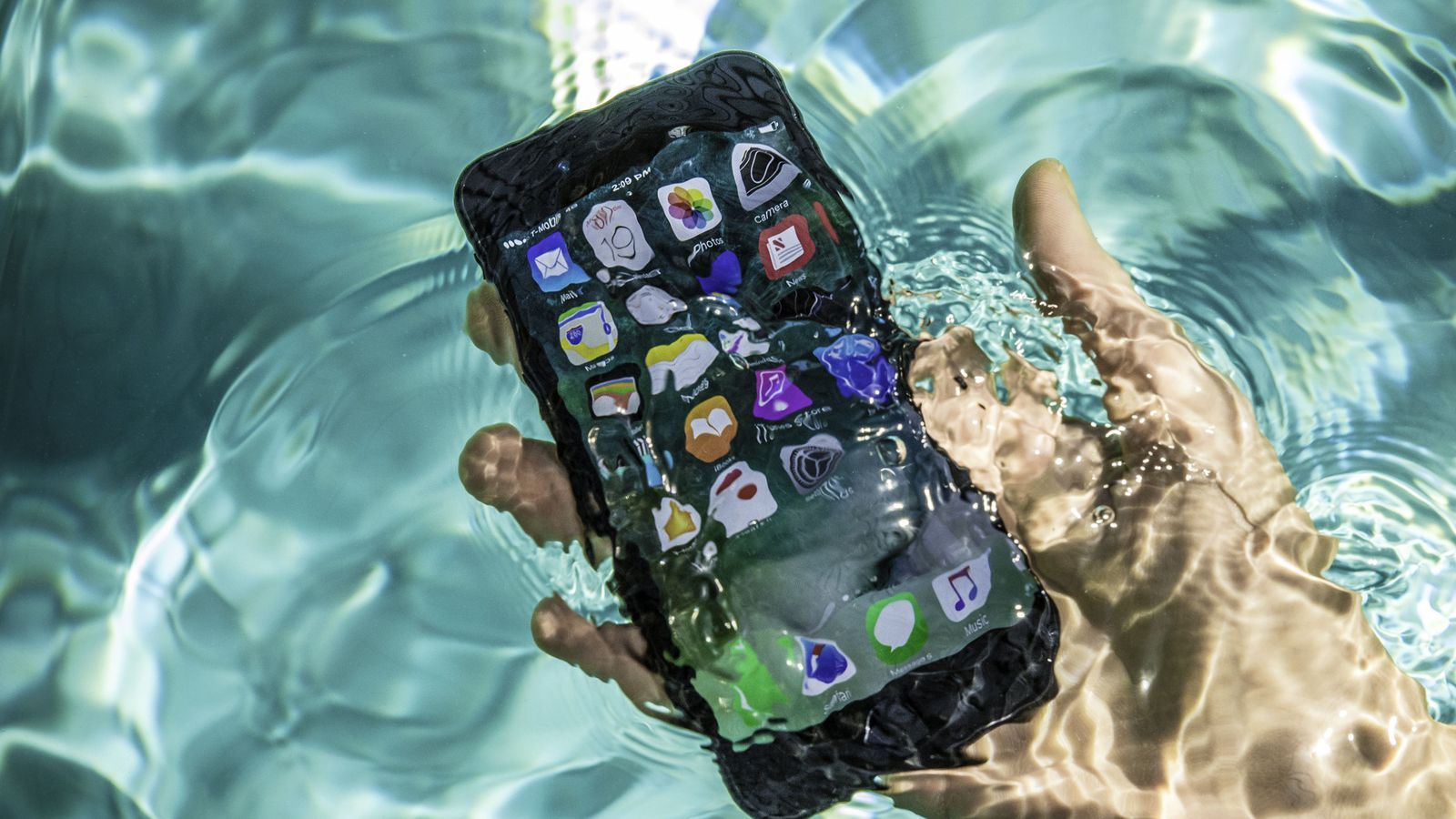 reputable site 60823 26317 Is the iPhone 7 completely waterproof? | Art and Style that Inspires ...