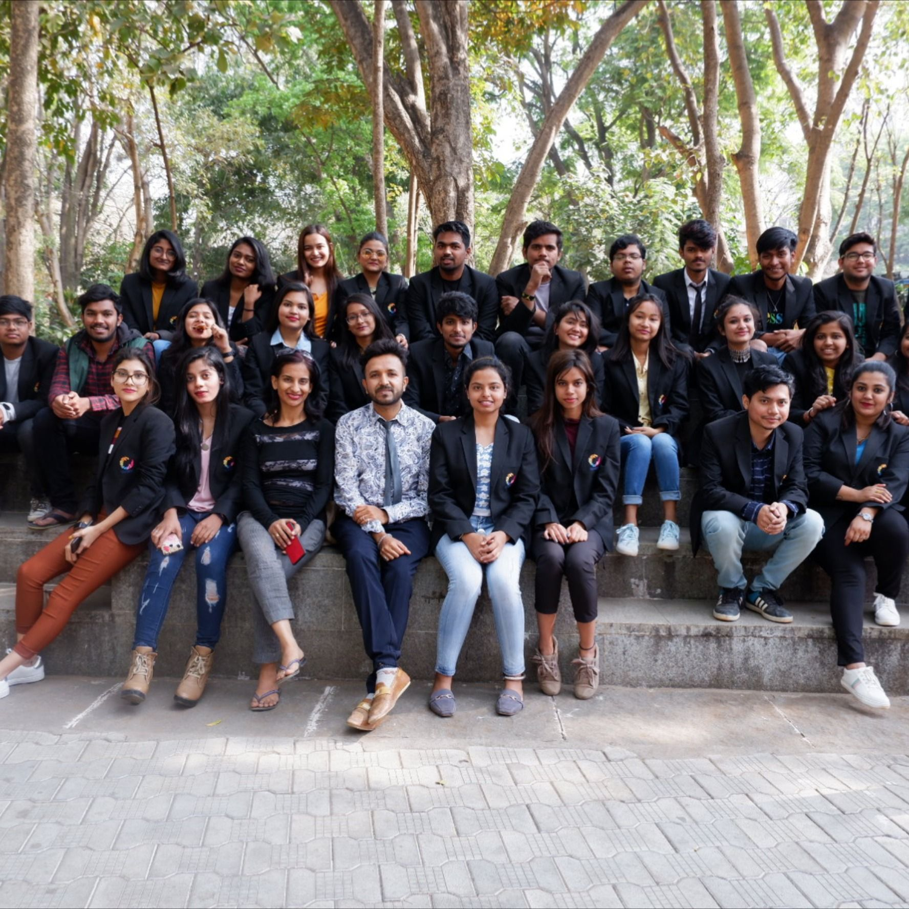 The Students Of Bachelors Of Visual Arts And B Sc In Fashion And Apparel Design Had A Gallery Visit To Karnatak In 2020 Gallery Of Modern Art Apparel Design Visual Art