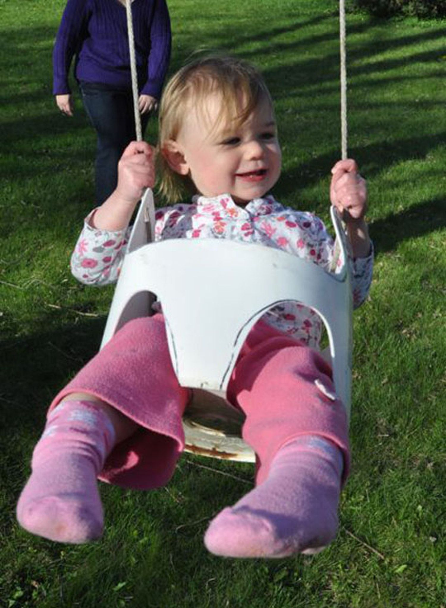 Diy swing from a gallon bucket diy swing and swings