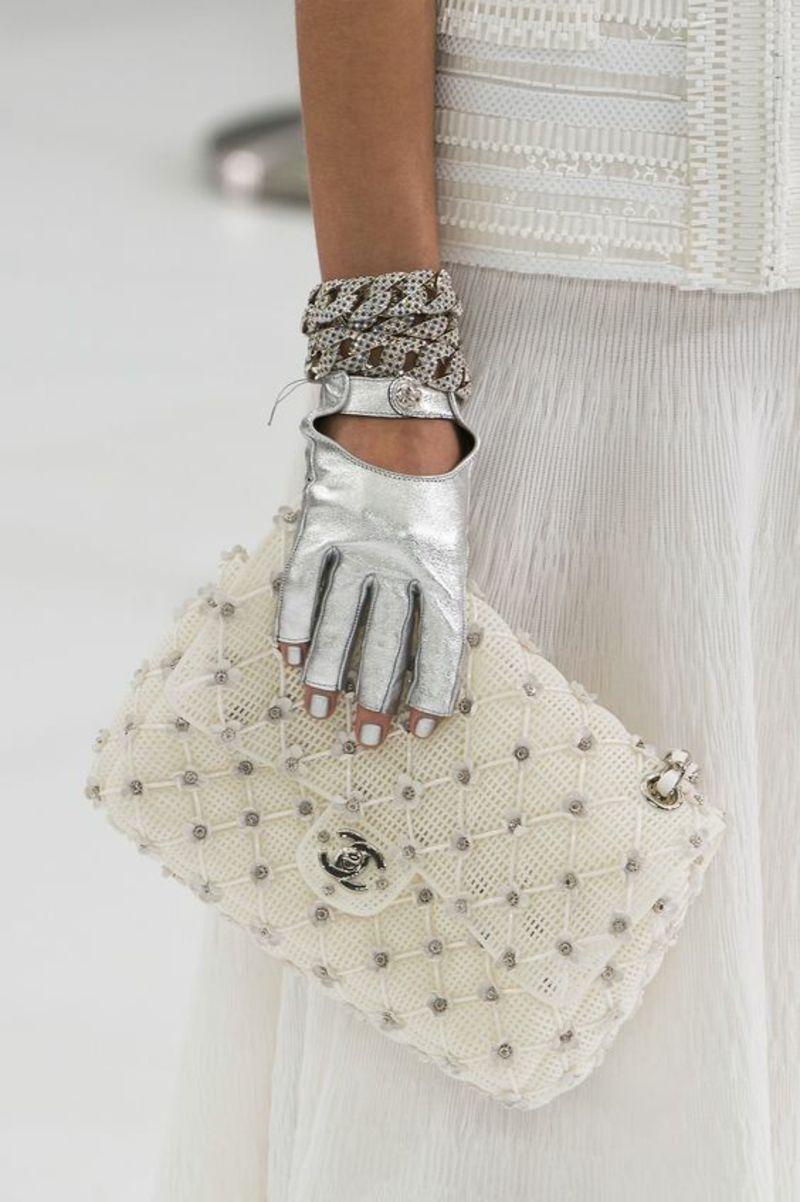 designer handtaschen nach den aktuellen modetrends 2016 pinterest handtasche von chanel. Black Bedroom Furniture Sets. Home Design Ideas