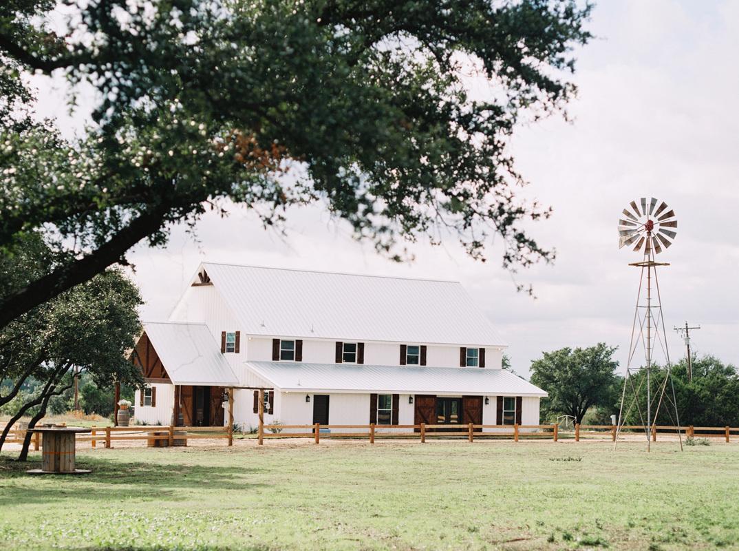 Five Oaks Farm Cleburne, Texas. We service weddings and