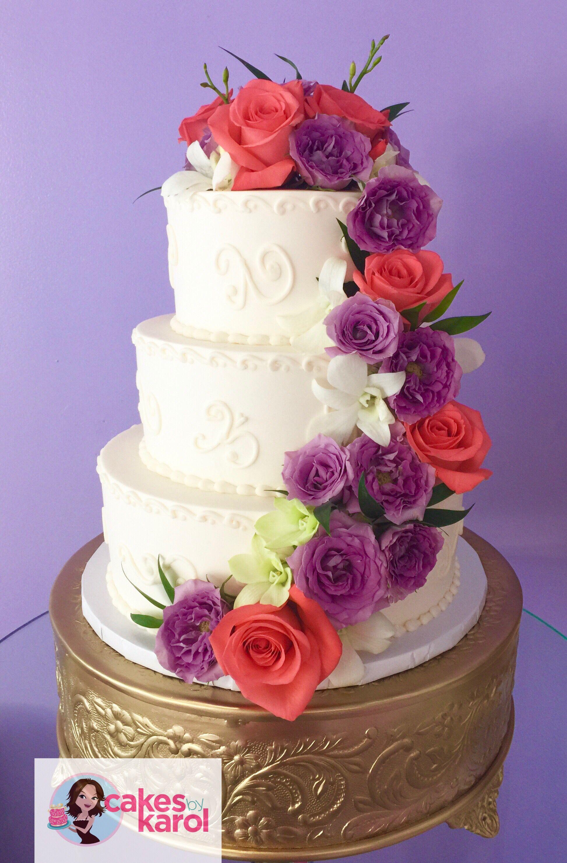 Buttercream cake decorated w fresh flowers buttercream