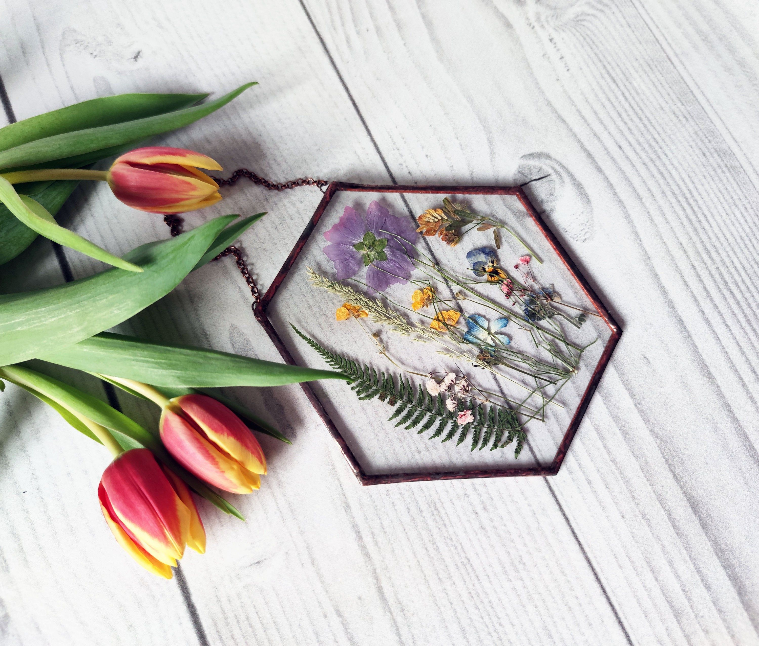 Hexagon pressed flowers frame, pressed bouquet, glass frame, flowers gift for mom 6*6 in