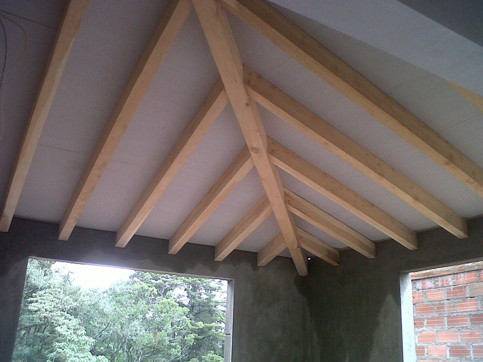 Techo estructura en pino con placa superboard - Placas decorativas para techos ...