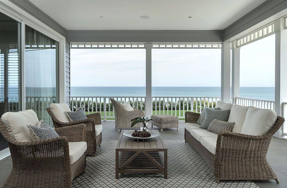 Classic Hamptons Home On The West Coast In 2020 Classic Style Interior Hamptons Style Homes Elegant Interiors