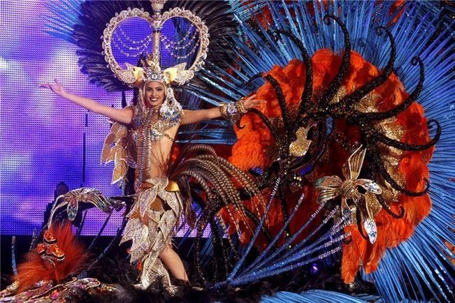 """Amanda Perdomo San Juan es la Reina del Carnaval 2014- fantasía """"Poderosa Amazona"""""""