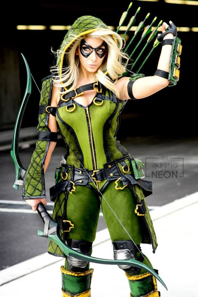 Gender Bent Green Arrow Injustice Costume Made And Modeled By Its Raining Neon Bow By Project Triforce Photography Arrow Cosplay Cosplay Woman Cosplay Outfits