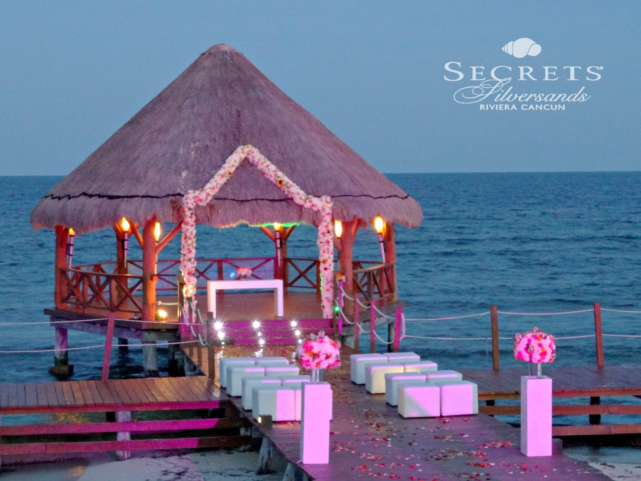 Modern Wedding Reception With Ocean View At The Royalton Riviera Cancun Hotel Luxury Experience Maya Photography Pinterest