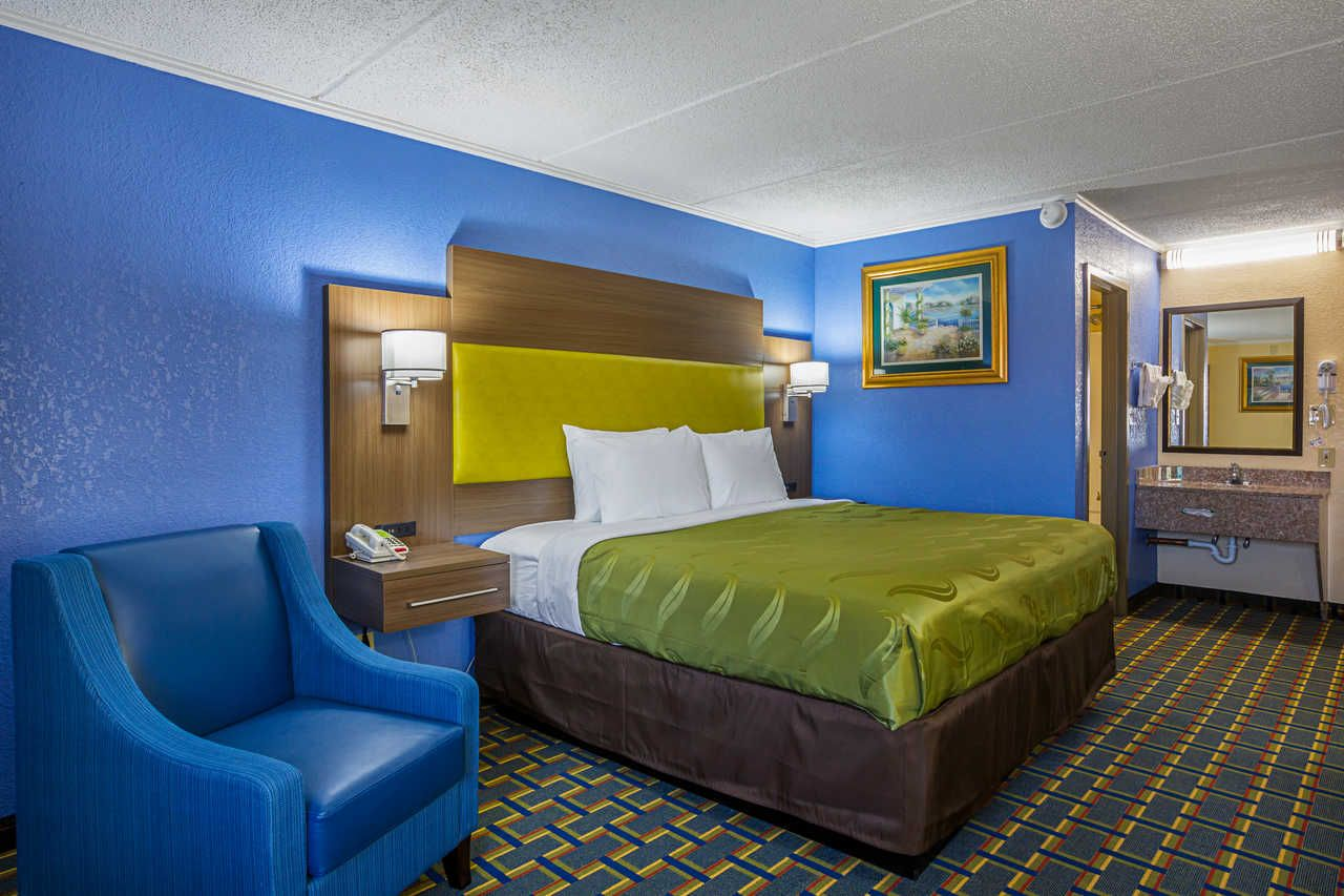 Our Rooms Offer Maximum Comfort Our Staff Goes Out Of Their Way To Provide You With Top Notch Assistance Need Info About Disco Suites Hotel Amenities Hotel