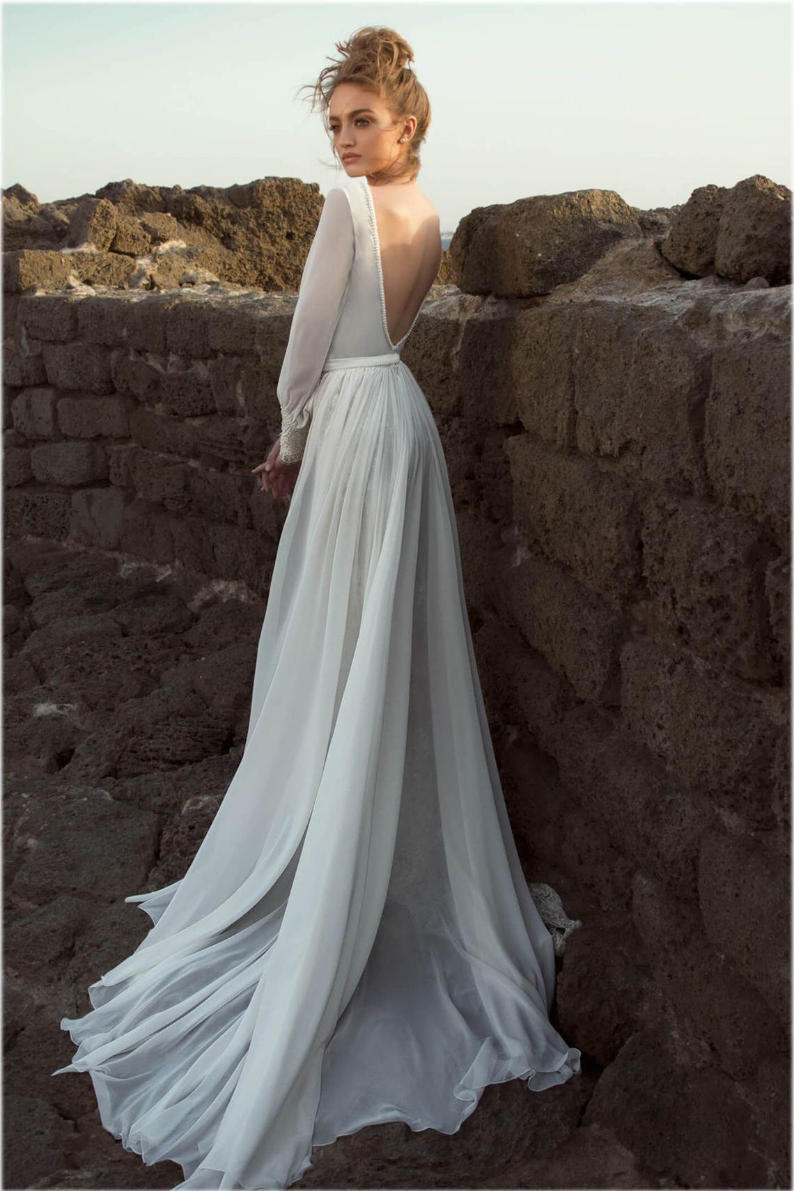 30 Stunning Long Sleeve Wedding Dresses Bridal Musings Wedding Dresses Wedding Dress Long Sleeve Trendy Wedding Dresses [ 1710 x 1140 Pixel ]