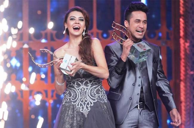 Oksana Rasulova And Syed Mommon Winner Of India S Cinestars Ki Khoj 2014 Fashion Actresses Sequin Skirt