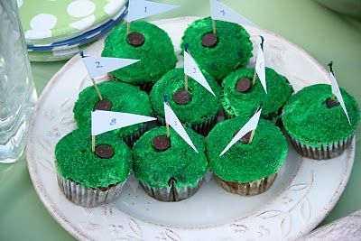 Golf Cupcakes! My boyfriend would love these