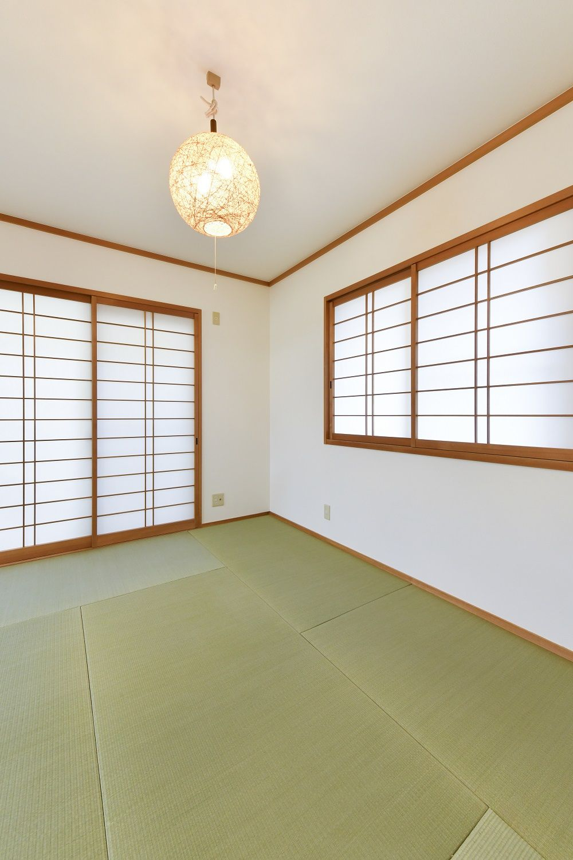 和室がリフォームで美しく 縁なし畳 リフォーム 和室 家
