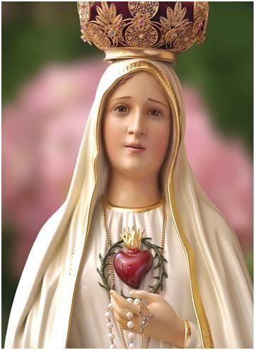 Oh María, durante el bello mes que te está consagrado, todo resuena con tu bello Nombre y alabanza. Tu santuario resplandece con nuevo brillo, y nuestras ma