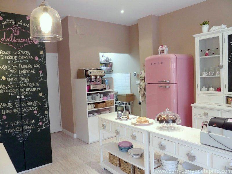 Resultado de imagen para locales de pastelerias peque as - Decoracion de cafeterias pequenas ...