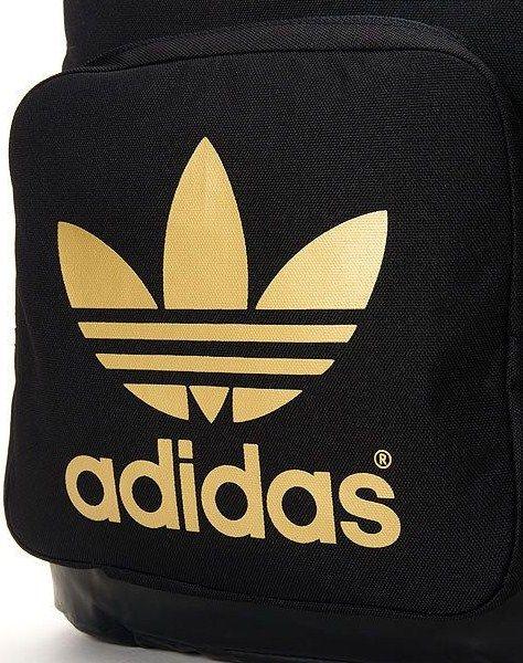 アディダスリュック黒金|adidasのブラック×ゴールドスタイルでシックストリートを極める
