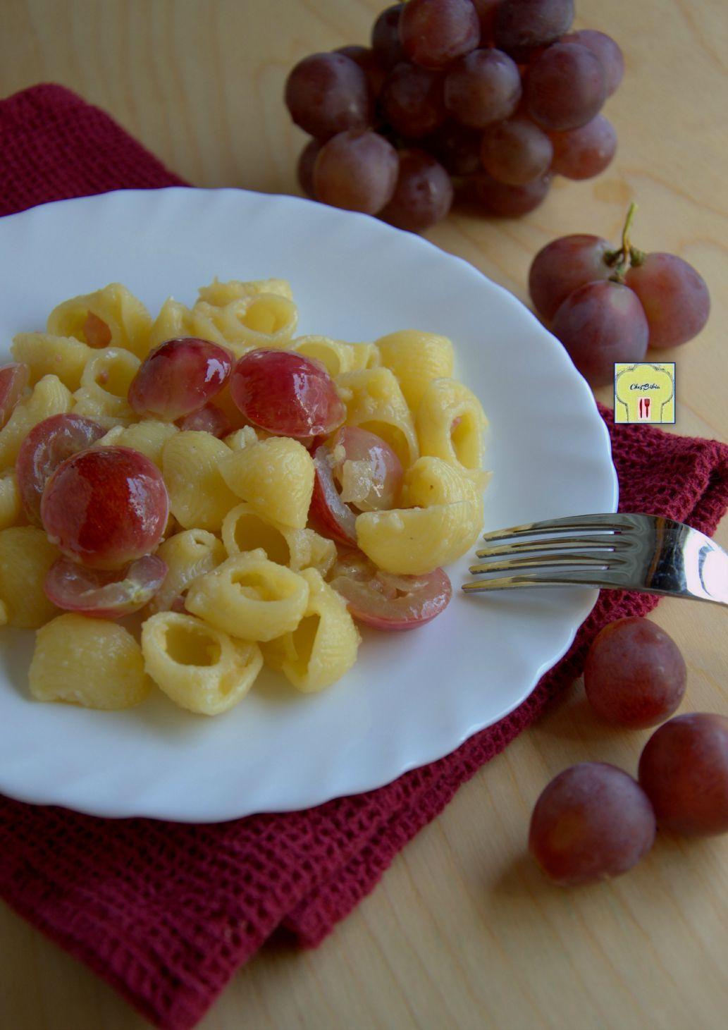 pasta con uva rosata