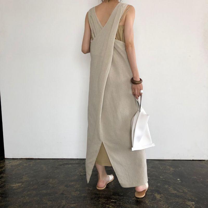 バッククロス2セットワンピース ミニマリストのファッション ファッションコーデのアイデア ファッション