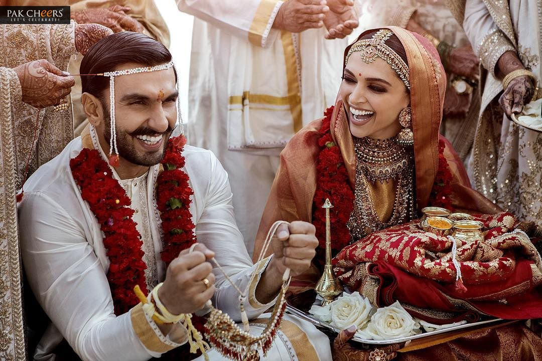 Deepika Padukone And Ranveer Singh Have Tied The Knot In Italy Here Is Th Indian Wedding Photography Bollywood Wedding Wedding Photography Inspiration Awesome