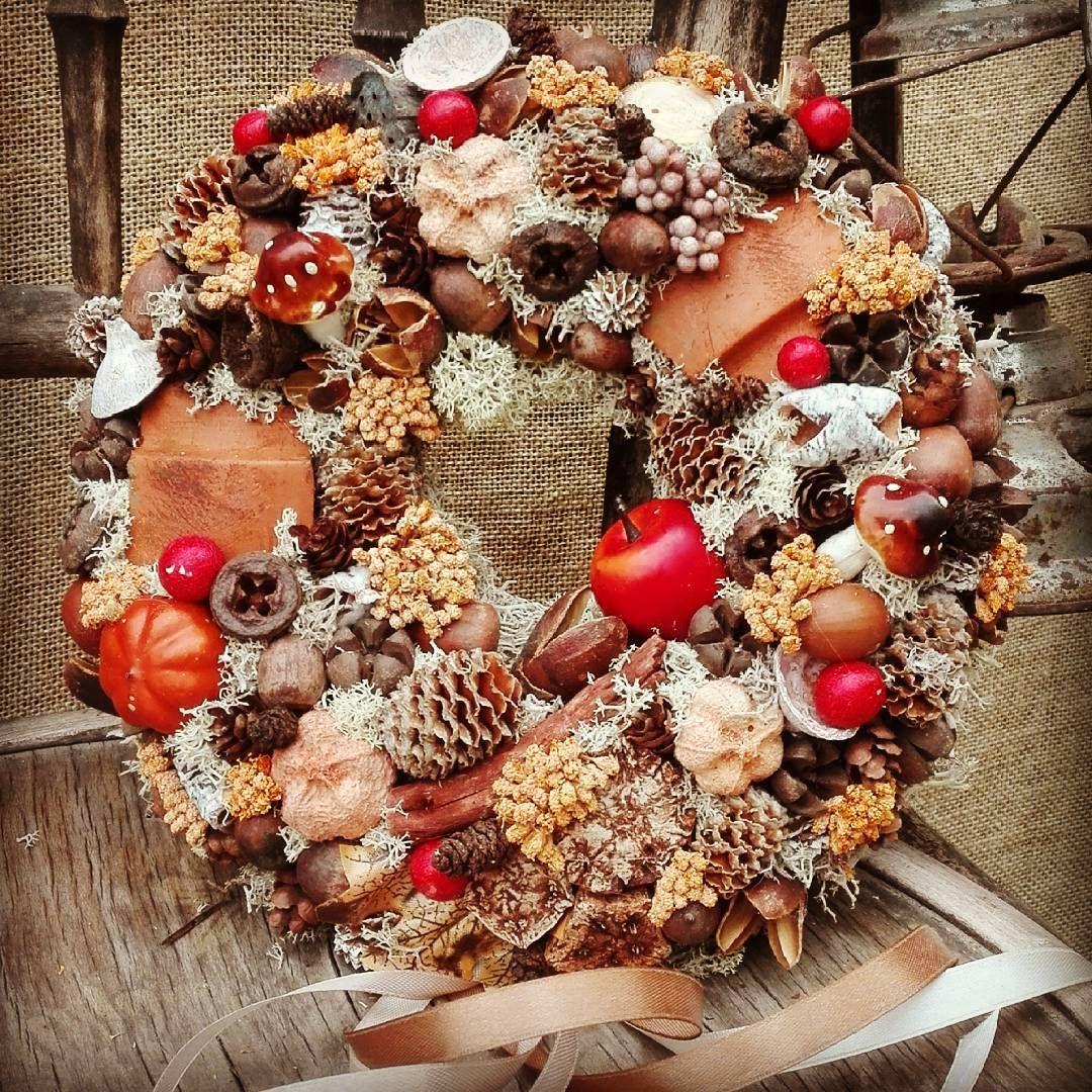 Csupa Osz Homewithlove Homedecor Homedesign Autumn Vintagedecor Vintage Vintageautumn Wreath Autumnwreath Mutimitcsinalsz With Images Kreativ Hobbi Karacsony