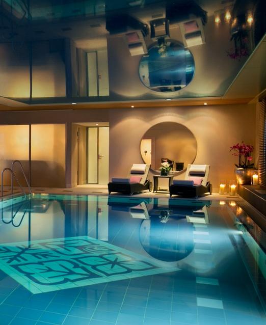 The luxury 5* Hotel Vier Jahreszeiten Kempinski München.
