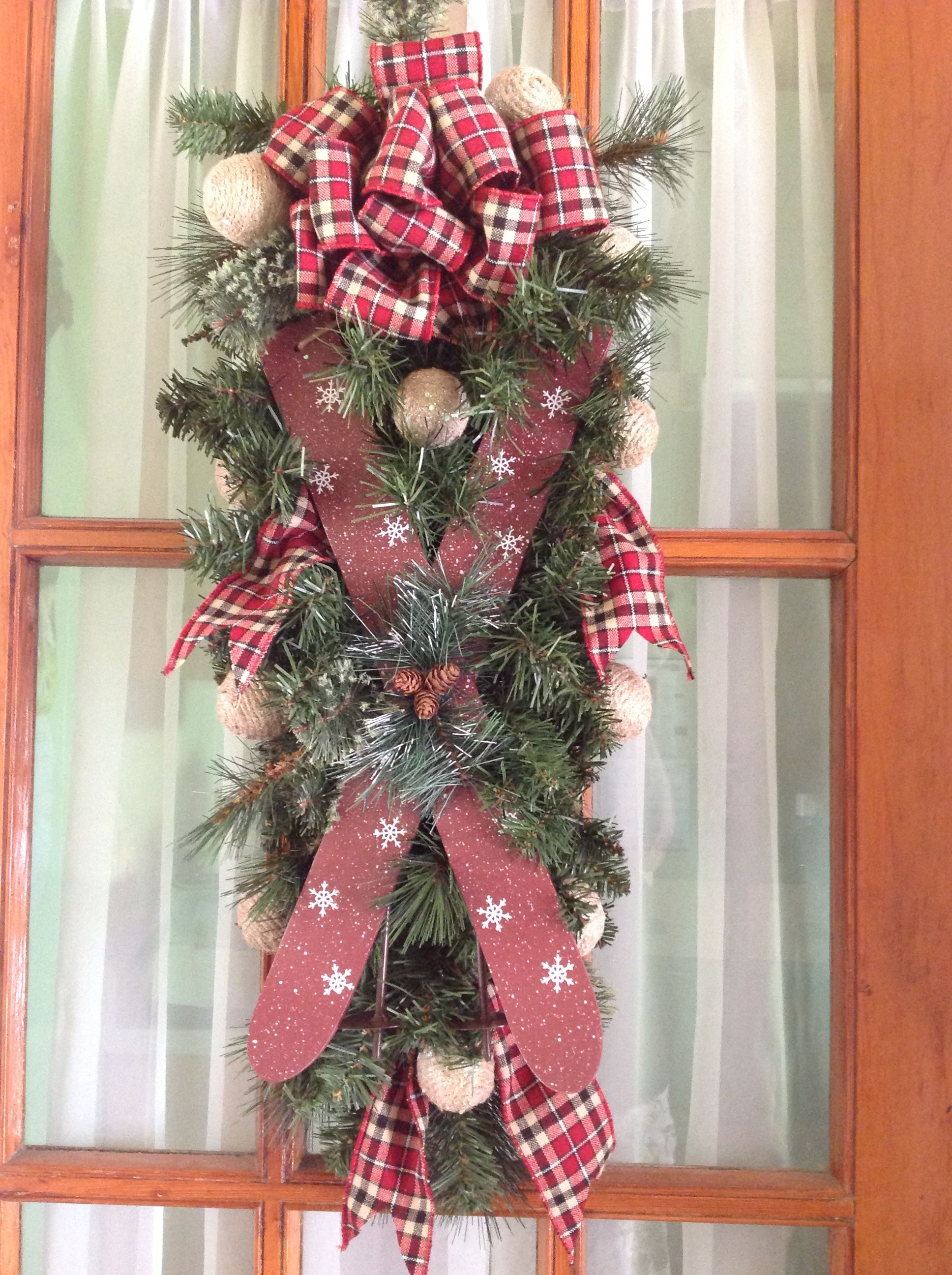 """28"""" swag with skis & poles plaid bow jute covered balls S39"""