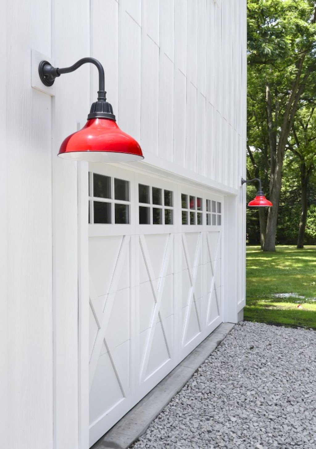 100 Rustic Farmhouse Lighting Ideas On A Budget 61 Farmhouse Garage Modern Garage Doors Modern Farmhouse Exterior