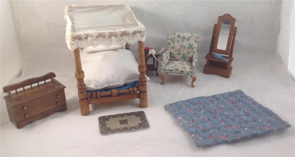 Miniature Dollhouse Bedroom, Canopy Bed set (seven pcs and bedding