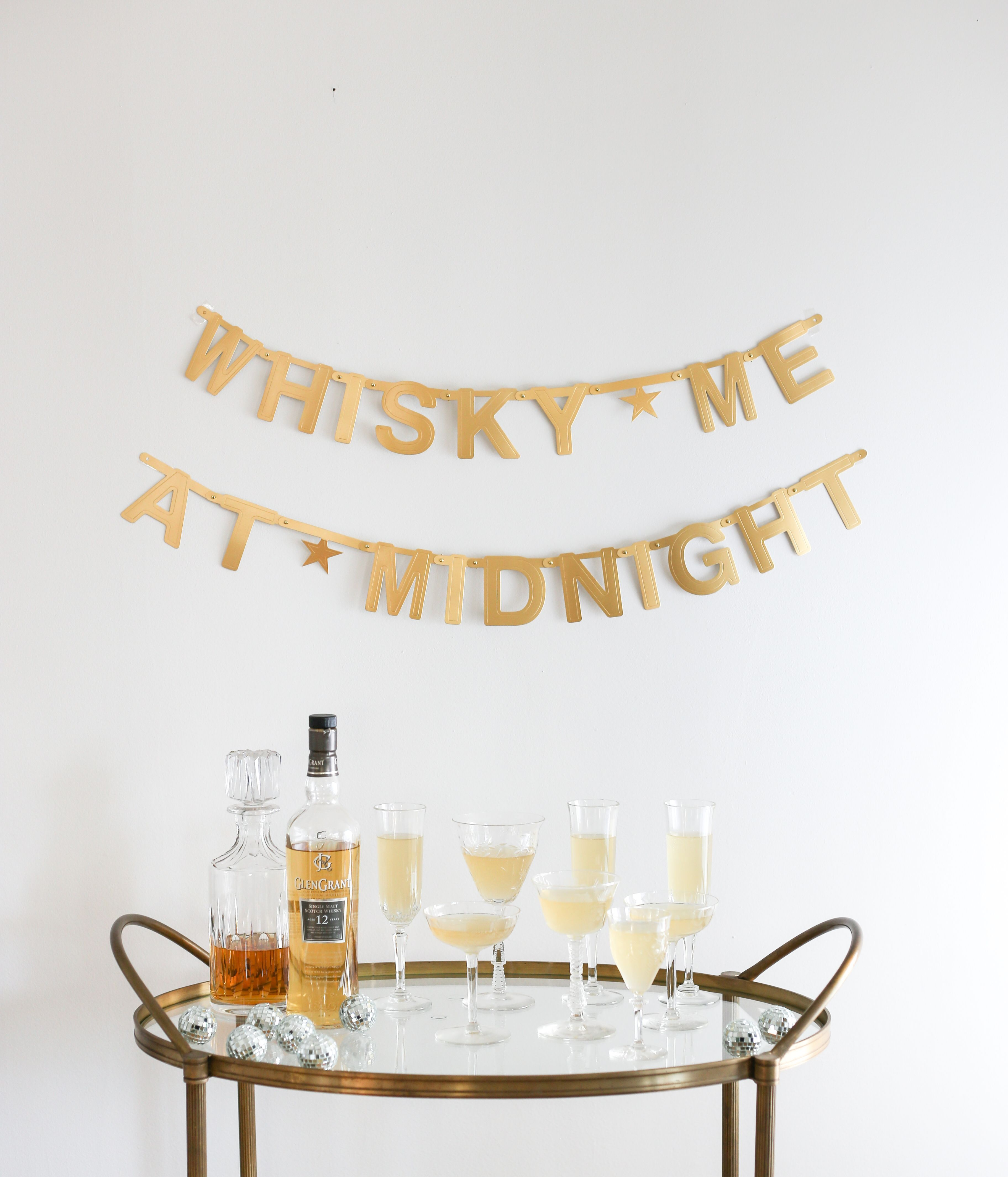 #Whisky me at midnight! We're looking forward to all the new fun cocktails #2018 will bring! #HappyNewYear #whiskydrinks