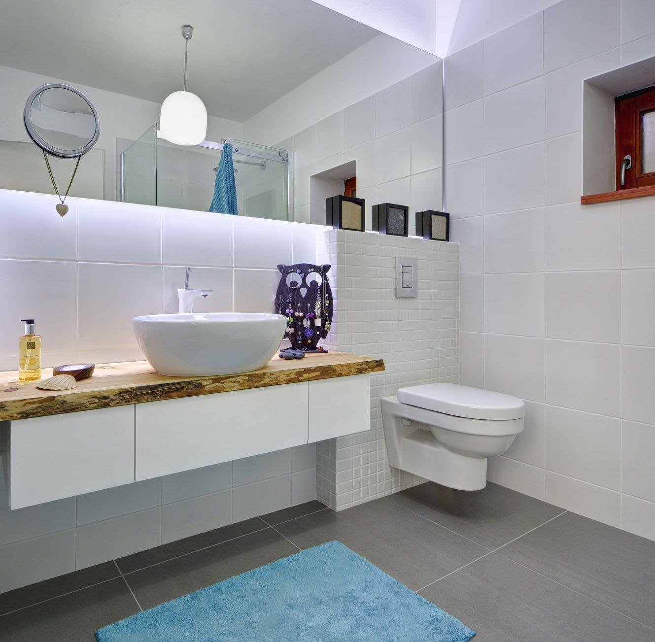 Koupelna s toaletou - Dům v Čakovicích