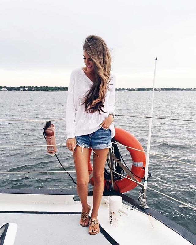 Favorite outfit: a summer sweater & denim shorts  http://liketk.it/2oZcr @liketoknow.it #liketkit #whatimwearing #wiw #ootd #toronto #travelgram #summersweater #lookbook #saturday #happysaturday