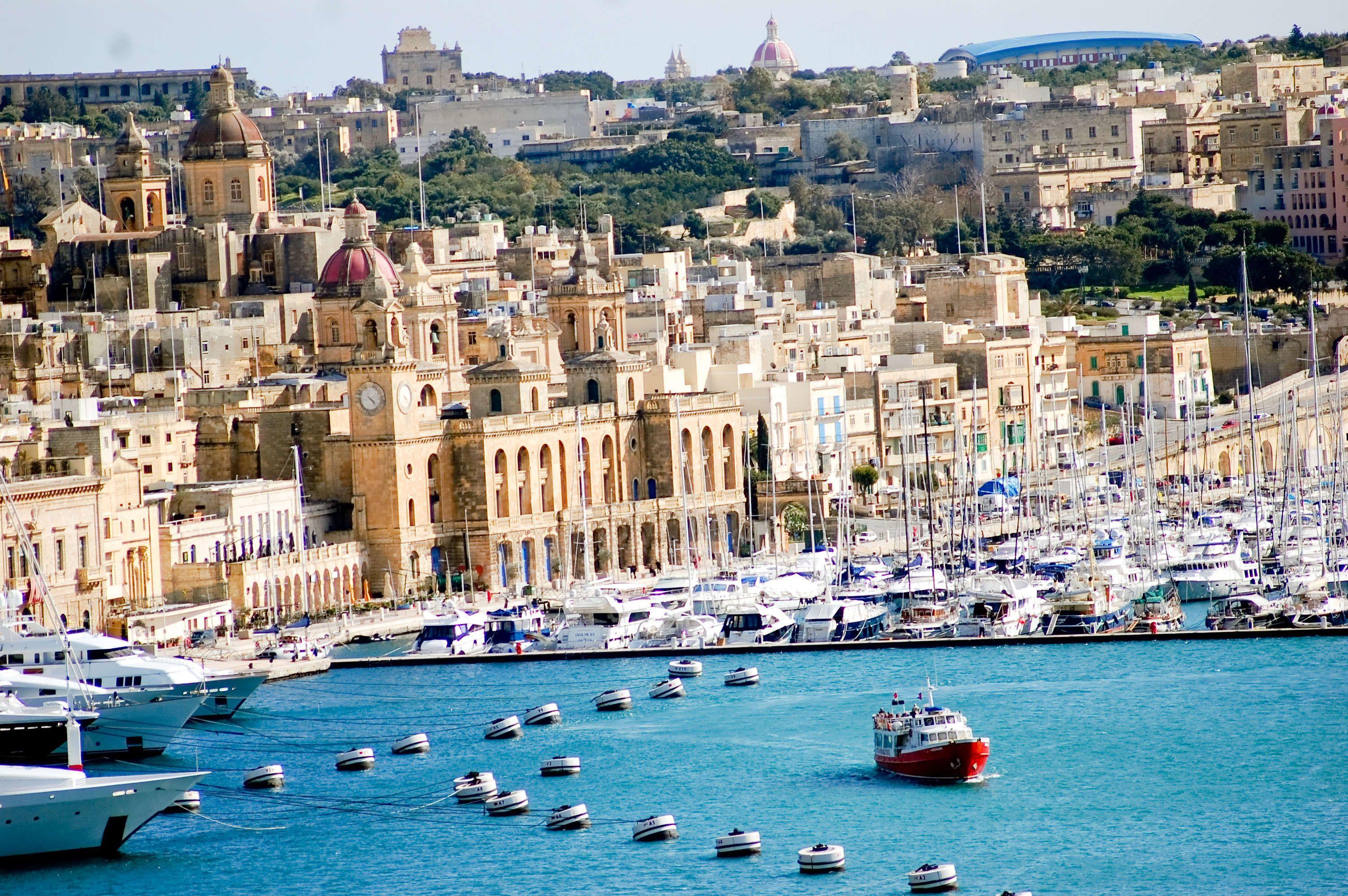 Malta, un país insular miembro de la Unión Europea. Sus lenguas ...