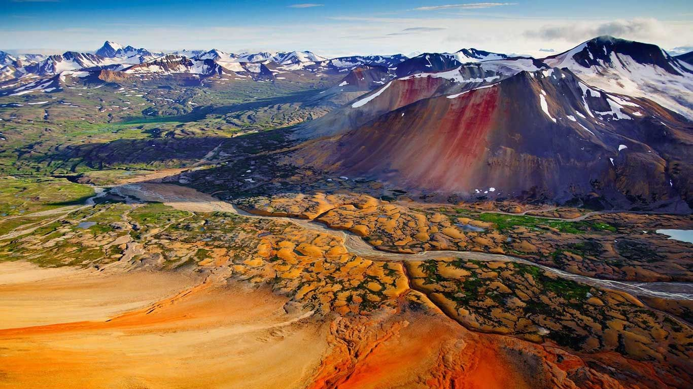 Mineral heavy peaks, Spectrum Range, Mount Edziza Provincial