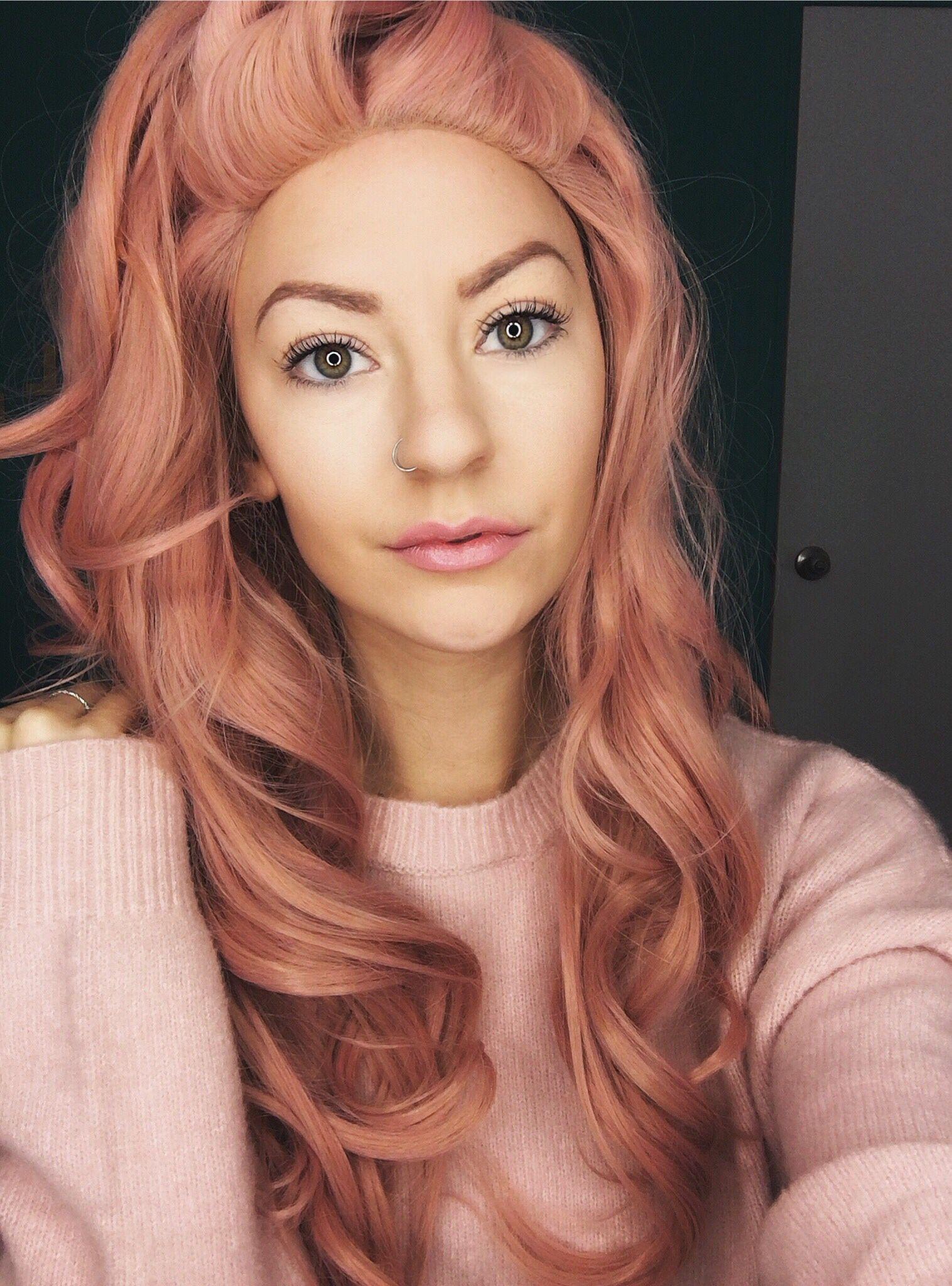 Rose Gold Hair Hair Rosegold Aszjeca Burden New Hair Look Pale Pink Hair Girl Hair Colors