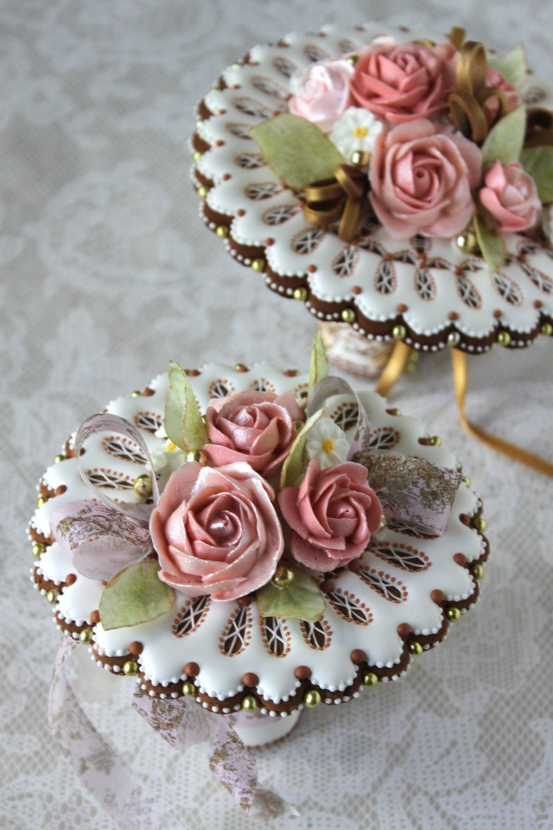 Wow These Are Cookie Bouquetstwo Videos One Shows How To Make The Doily Cookies Other Put Bouquet Together