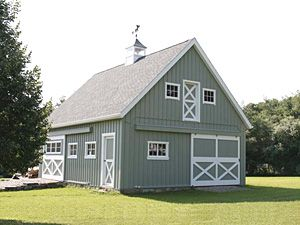 Absolutely love this little barn (links to a useful Barn Construction Resource Center).