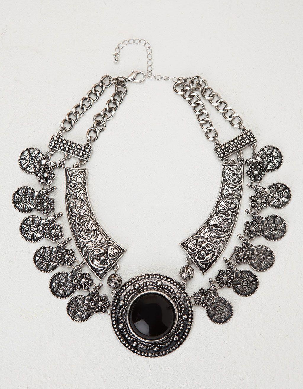 ad63367cba62 Collar Bohemio con piedra negra. Descubre ésta y muchas otras prendas en  Bershka con nuevos productos cada semana