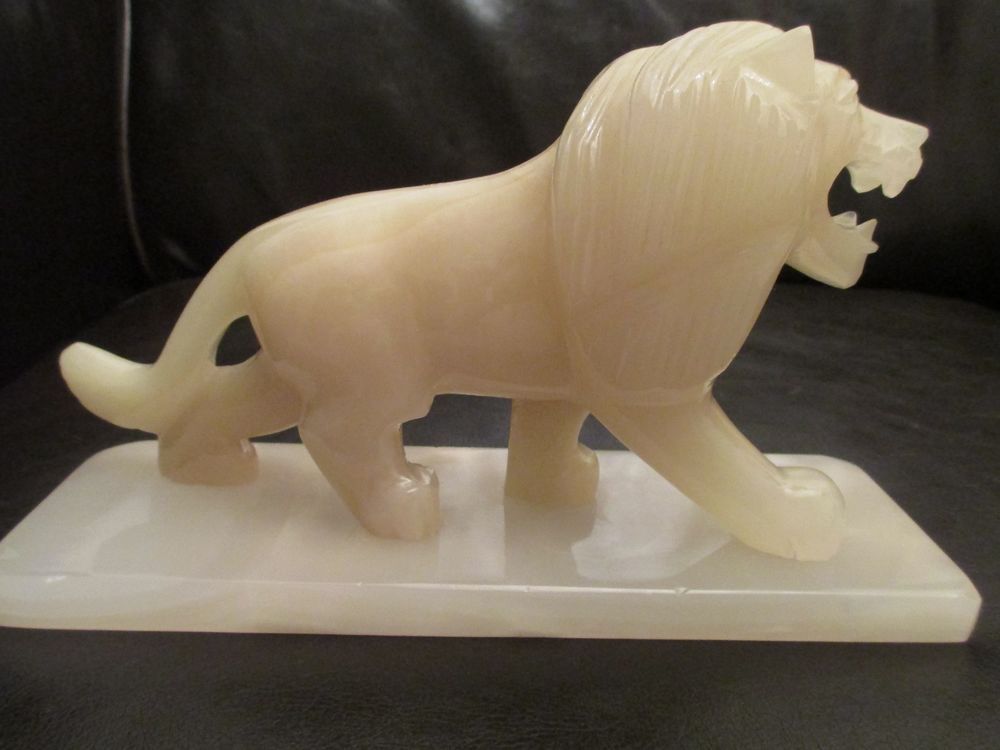 White Onyx Stone Carved Lion Statue Heavy Collectible Wild
