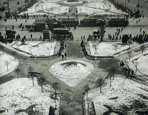 Alexander Rodchenko  Theatre Square 1929