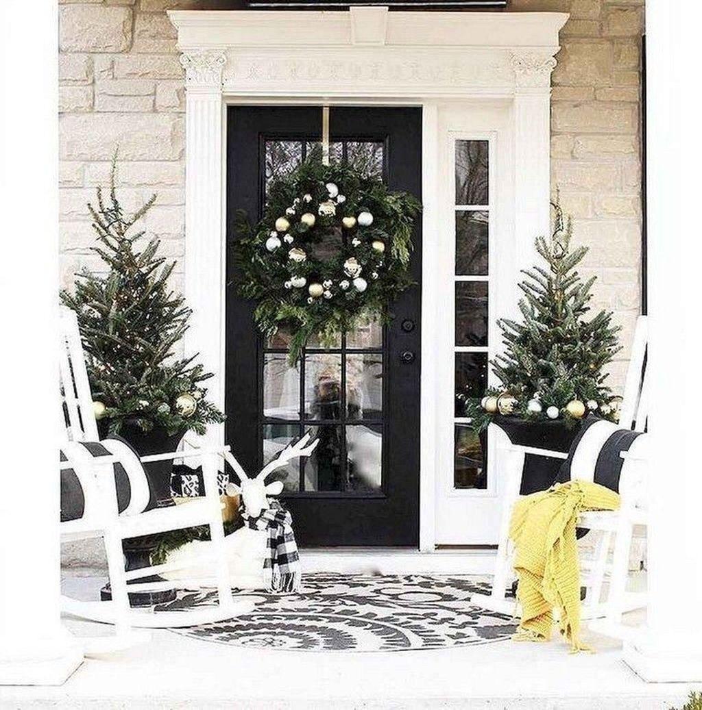 41 stunning diy farmhouse front porch decorating ideas