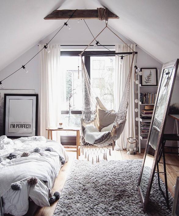 Pin Von Missy Missy Sue Blog Auf Decoracao Zimmer Mit Dachschrage Einrichten Zimmer Einrichten Jugendzimmer Tumblr Zimmer Gestalten